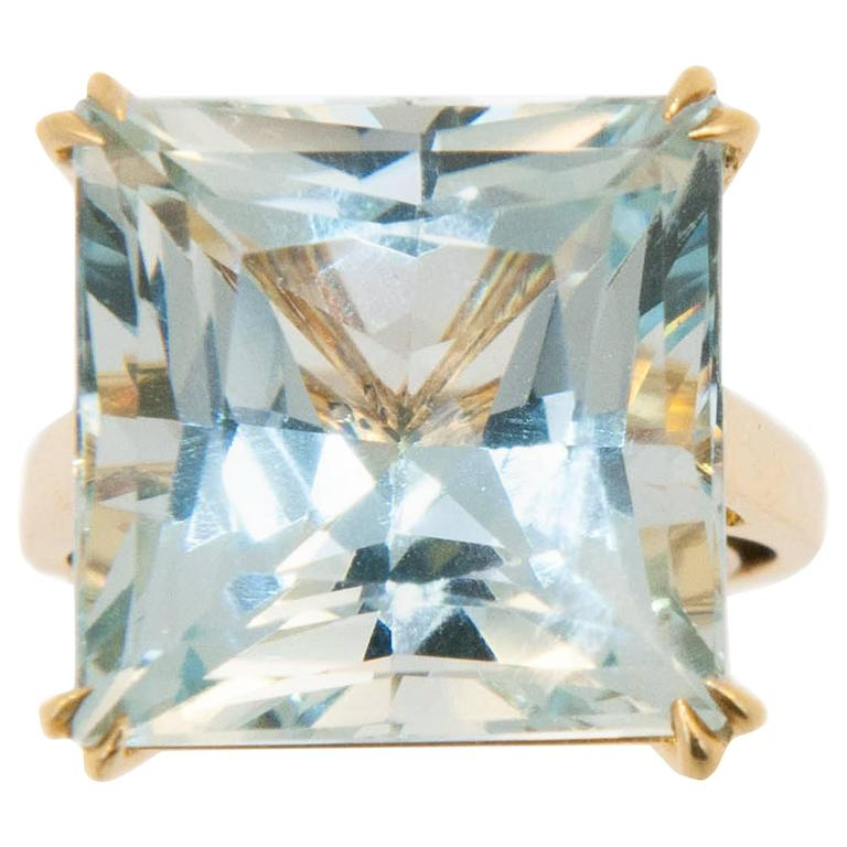 Laura Munder 15.21 Carat Aquamarine Yellow Gold Ring For Sale