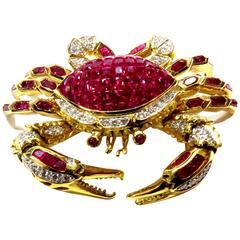 Movable Invisibly Set Ruby Diamond Gold Crab Pin Pendant