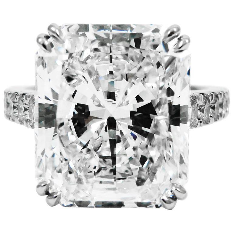 Stunning GIA Certified 9.28 Carat Radiant Cut Diamond Platinum Pave Ring 1