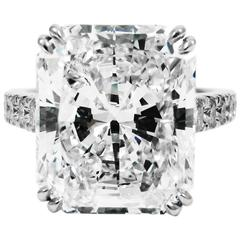 Stunning 9.28 Carat Radiant Cut Diamond Platinum Pave Ring