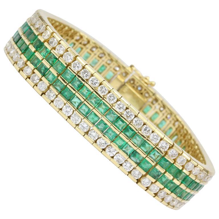 21 Carat Diamonds Emerald Yellow Gold Tennis Bracelet For