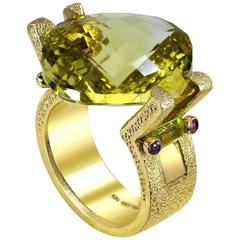 Alex Soldier Lemon Quartz Peridot Amethyst Textured Handmade Yellow Gold Ring