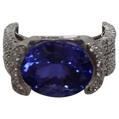Tantalizing Tanzanite Diamond Gold Ring