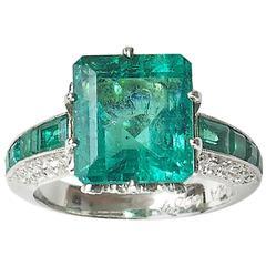 Moira Emerald Diamond platinum Ring