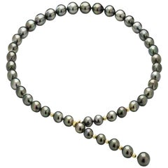 Lust Pearl Tahitian South Sea Pearl Strand Featuring 18 Carat Yellow Gold Clasp