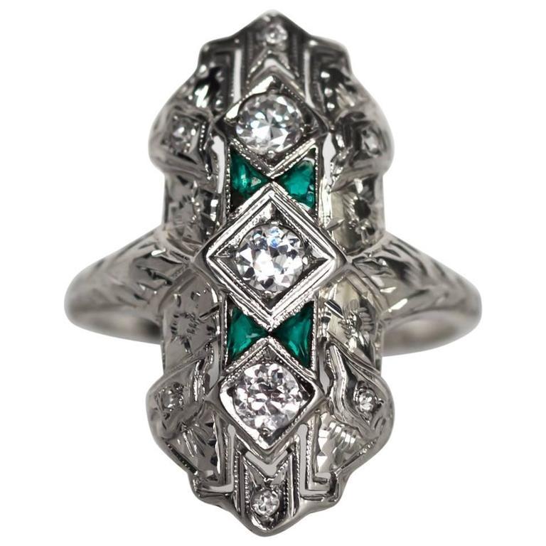1930s Art Deco Emerald Diamond White Gold Cocktail Ring