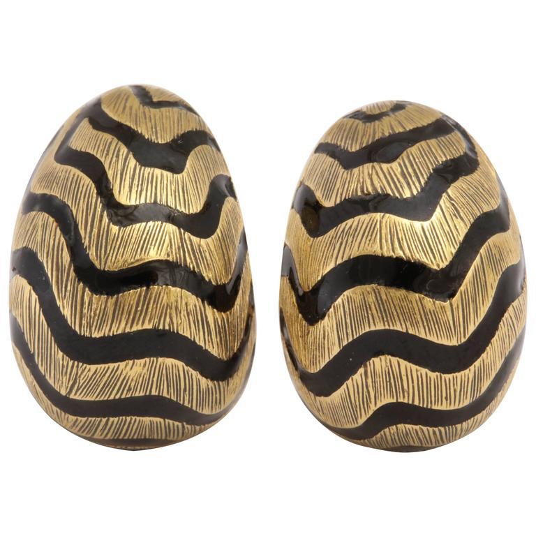 David Webb Black Enamel Brushed Gold Zig Zag Clip on Earrings