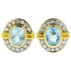Beautiful 1980s 0.60 Carat Diamonds Pale Blue Topaz Gold Earrings