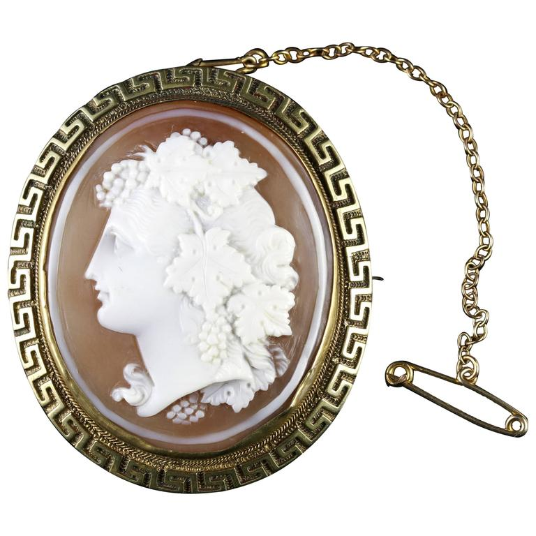 Antique Victorian Cameo Gold Brooch, circa 1860