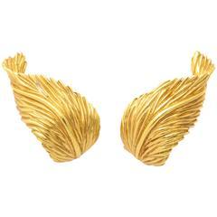 Van Cleef & Arpels Gold Striated Leaf Design Earrings