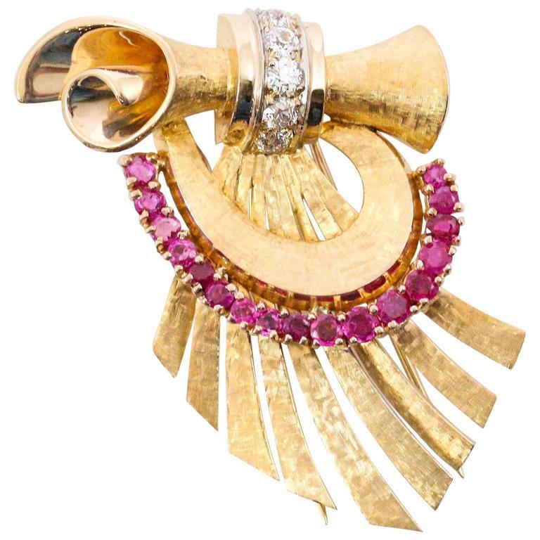 1940s Retro Ruby Diamond Yellow Gold Brooch
