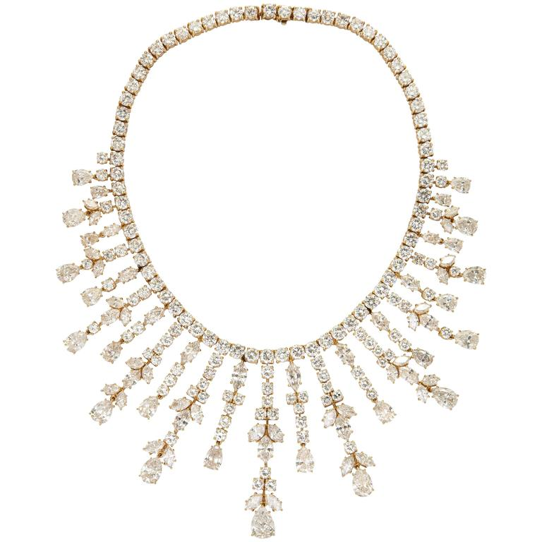 Important Van Cleef & Arpels Diamond Tania Necklace For Sale