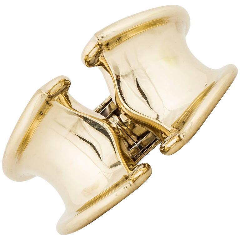 18 Karat Wide Hinged Bangle Bracelet