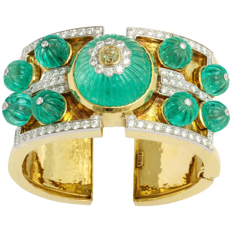 David Webb Carved Emerald Diamond Gold Bangle Bracelet 1