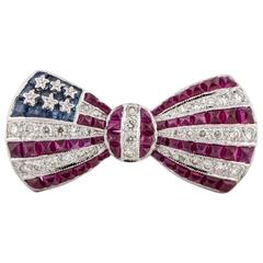 18 Karat American Flag Bow Pin