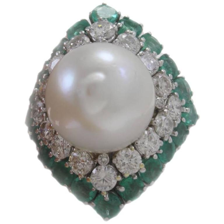 Australian Pearl ct 2,95 Emerald and ct 2,05 Diamond white gold Ring