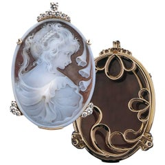 Unique Shell Cameo Diamonds Pendant
