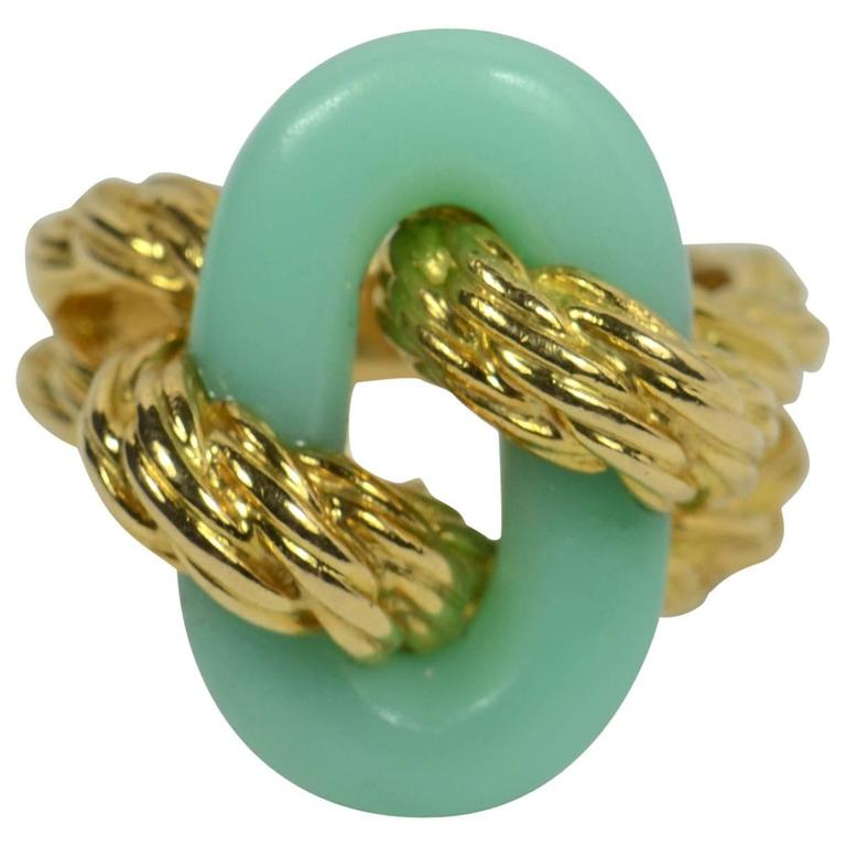 Van Cleef & Arpels Chrysoprase Gold Ring, circa 1970 1