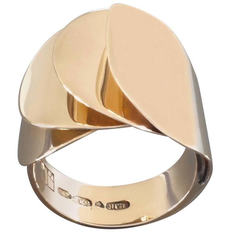 1970s Urpo Kajander for Kaunis Koru Rare Finnish Modernist Gold Ring For Sale