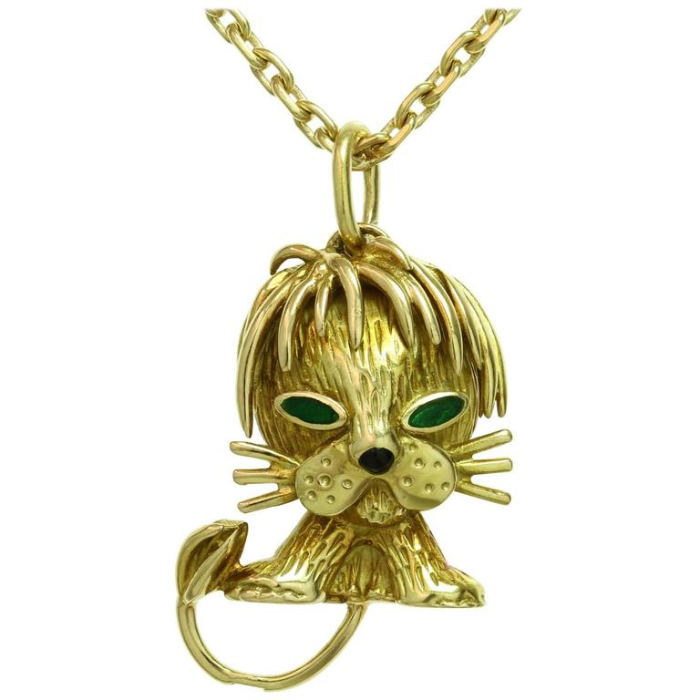 Van Cleef & Arpels Emerald Yellow Gold Lion Pendant Necklace 1