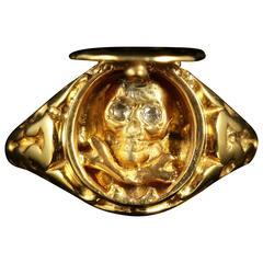 Memento Mori Skull Diamond Locket Ring 18 Carat Gold Skull Crossbones