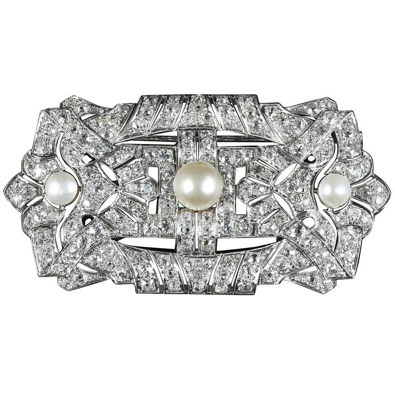 Antique Art Deco Diamond Pearl Brooch 18 Carat White Gold 11 Carat of Diamonds