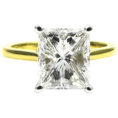 GIA Report 3.03 Carat Radiant Cut Diamond Yellow Gold Solitaire Ring
