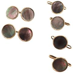 18 Karat Mother-of-Pearl Round Cufflinks and Stud Set