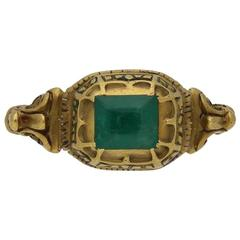 Renaissance Decorative Emerald Set Ring, circa 17th Century