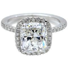 3 Carat Certified Radiant Diamond 18kt Gold Engagement Ring