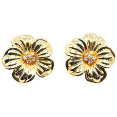 Van Cleef & Arpels Yellow Gold Diamond Flower Earclips