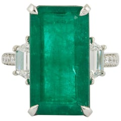 Unique Elongated 10 Carat Green Emerald Ring
