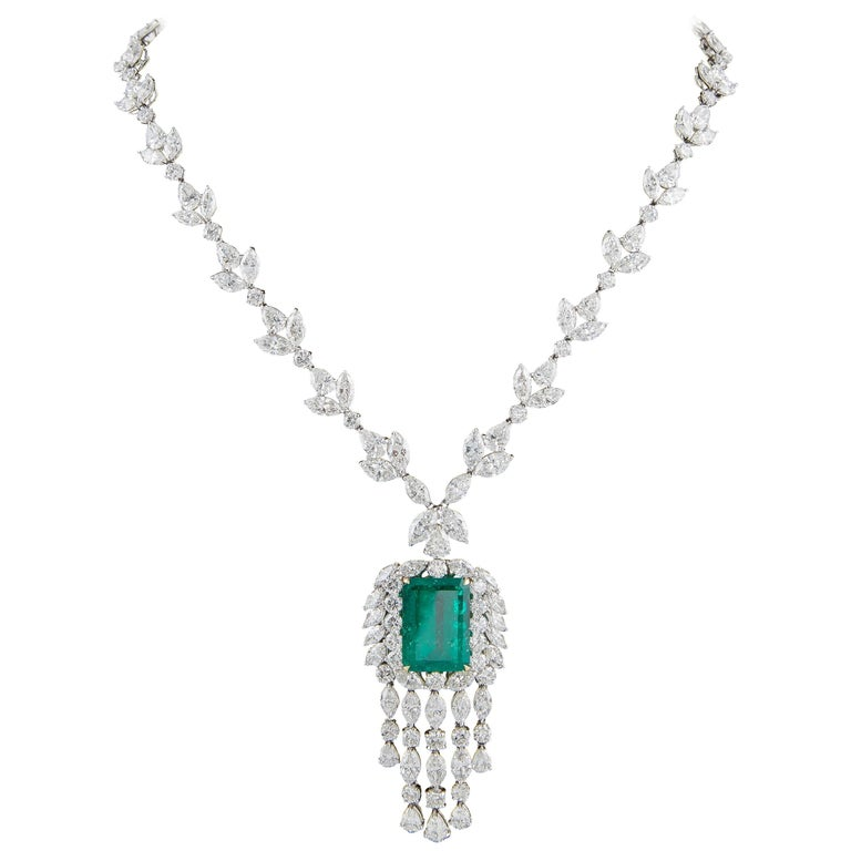 Important GIA Colombian Emerald and Diamond Necklace