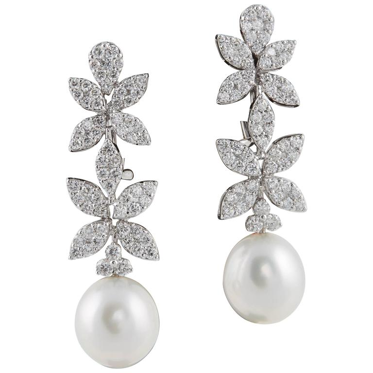 08bdae01349 Classic Diamond Pearl White Gold Drop Earrings For Sale at 1stdibs