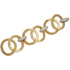 1990s Nicolis Cola Large Open Link Textured Diamond Gold Bracelet