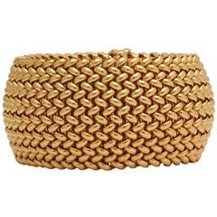 1950s Flexible Woven Mesh Design Wide Dramatic Gold Criss Cross Bracelet
