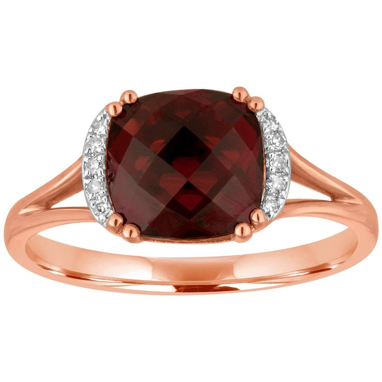 Cushion Cut 3.19 Carat Garnet and Diamond Gold Ring For Sale