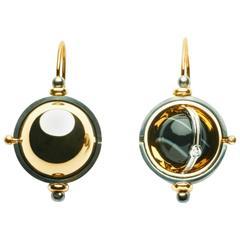 Elie Top Mécanique Céleste Sphere Earrings Gold Onyx Diamonds