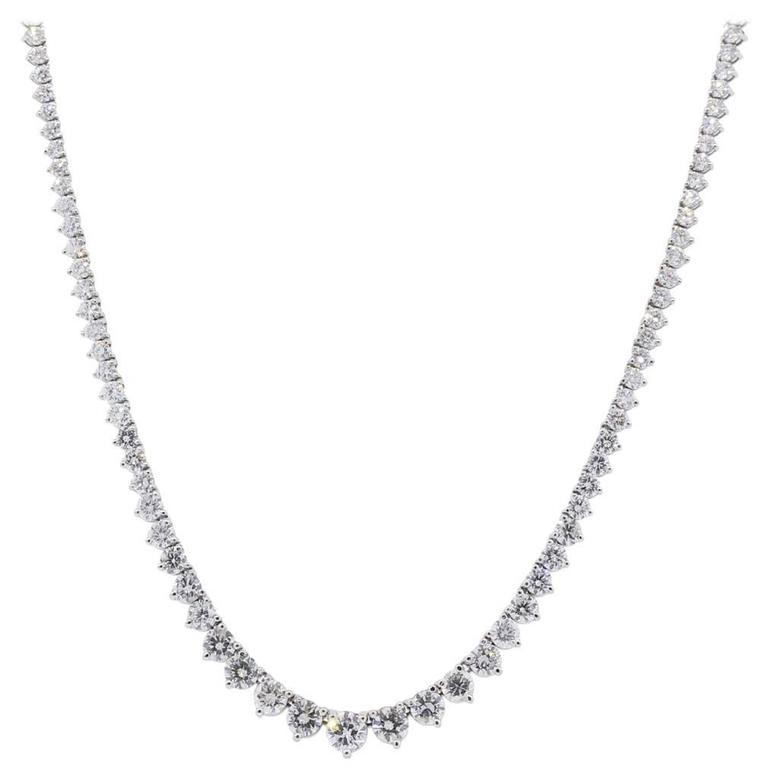 17 Carat Diamond White Gold Graduated Tennis Necklace