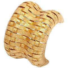 Magnificent 1970s Large Basketweave Design Gold Cuff Bracelet