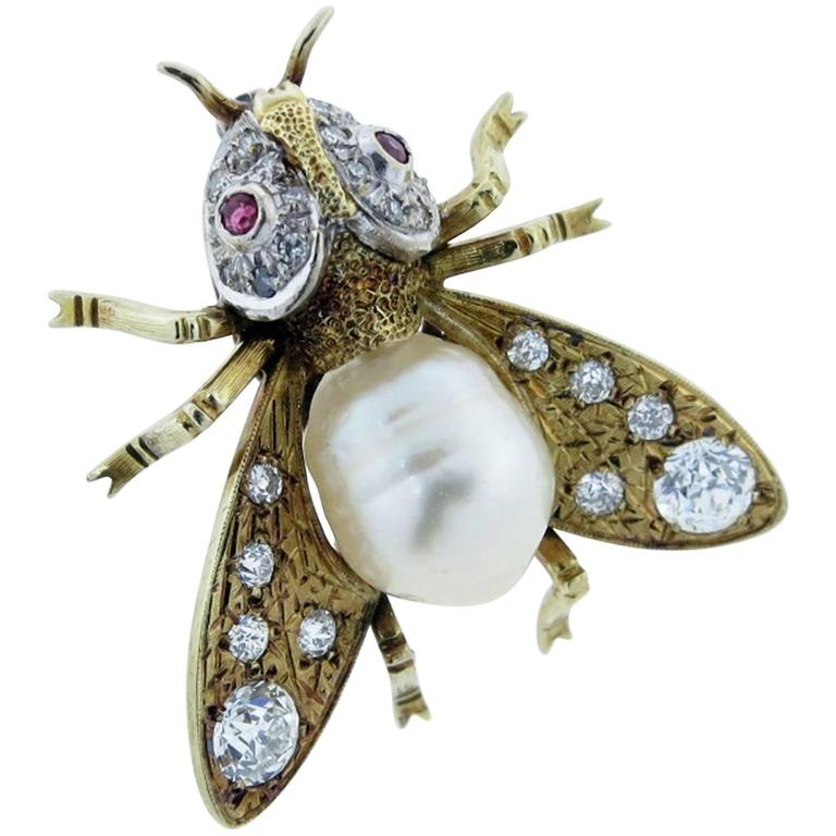 Fantastic South Sea Pearl Diamond Yellow Gold Fly Brooch For Sale