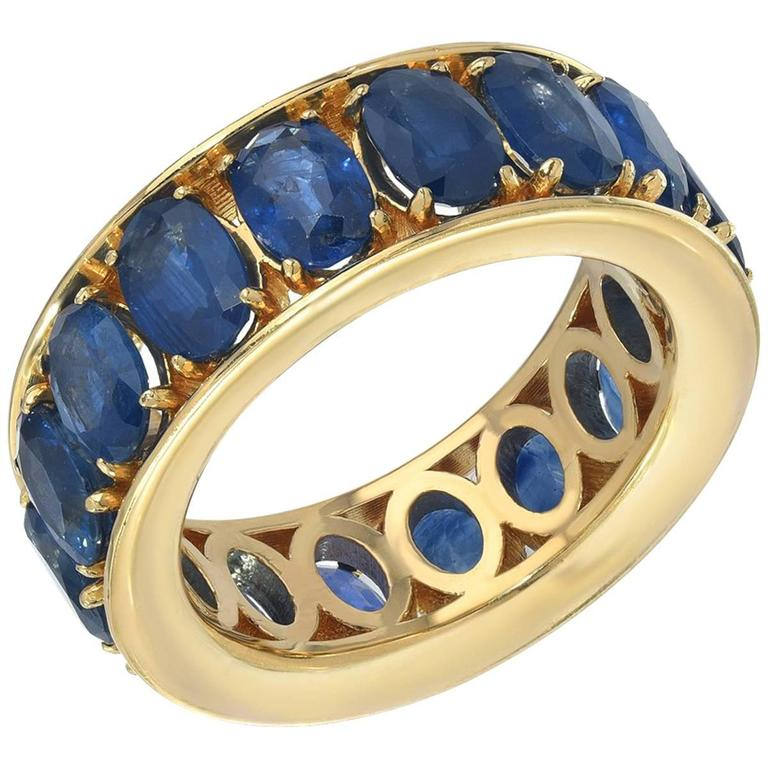 Boorma 18 Karat Blue Oval Sapphire Gold Stacking Ring 8.4 Carats 1
