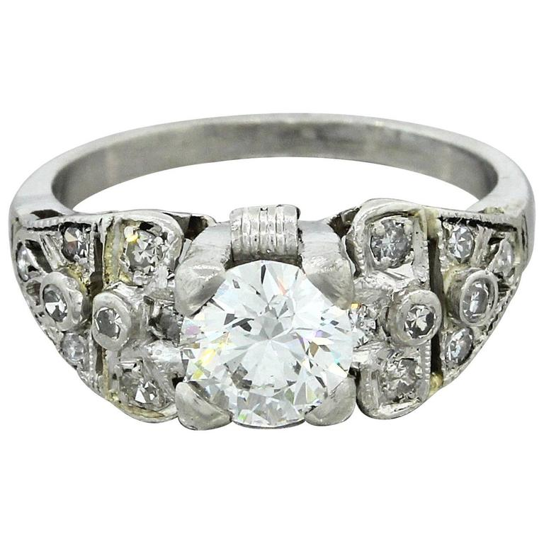 1930s Art Deco 1.14 Carat Diamond Platinum Cluster Engagement Ring EGL 1