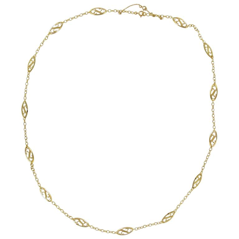 1900s French 18 Carat Yellow Gold Filigree Chain Necklace