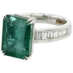 Ring White Gold 18 Karat 9.29g Emerald 7.99 Carat
