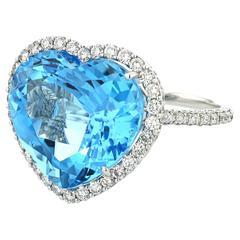 Ring White Gold 5.20g Heart Topaz 20.75 Carat White Diamonds 1.95 Carat