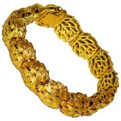 Unusual Unoaerre Gold Bracelet