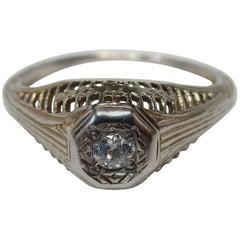 Art Deco Diamond White Gold Filigree Ring, circa 1920