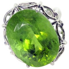 Gemjunky Old Hollywood 35.4 Ct Impressive Green Peridot Sterling Silver Ring
