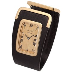 Van Cleef & Arpels Yellow Gold Black Leather Manual Wristwatch